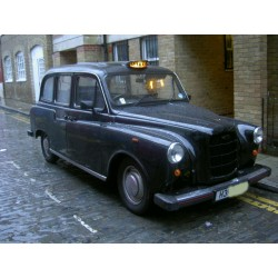 Carbodies FX4 London Taxi -...