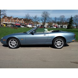 Jaguar XK8 Convertible - 2002